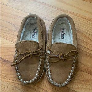 Kids Minnetonka slippers